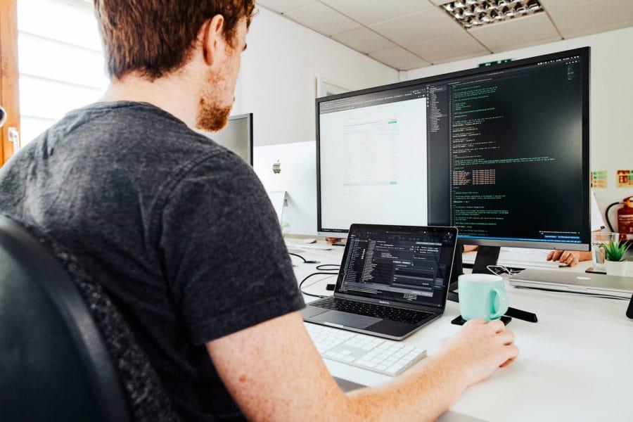 web-designer-rob-coding-a-wordpress-site